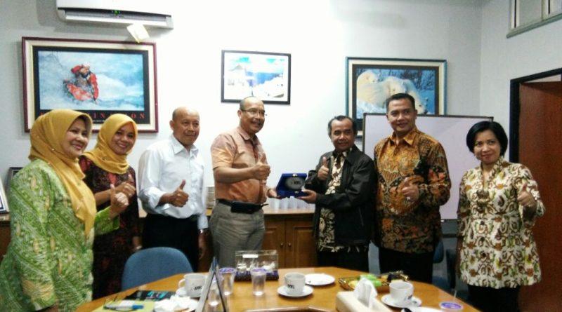 Konsultasi Borang Dan Kurikulum Prodi Akuntansi Dengan Prof Abdul